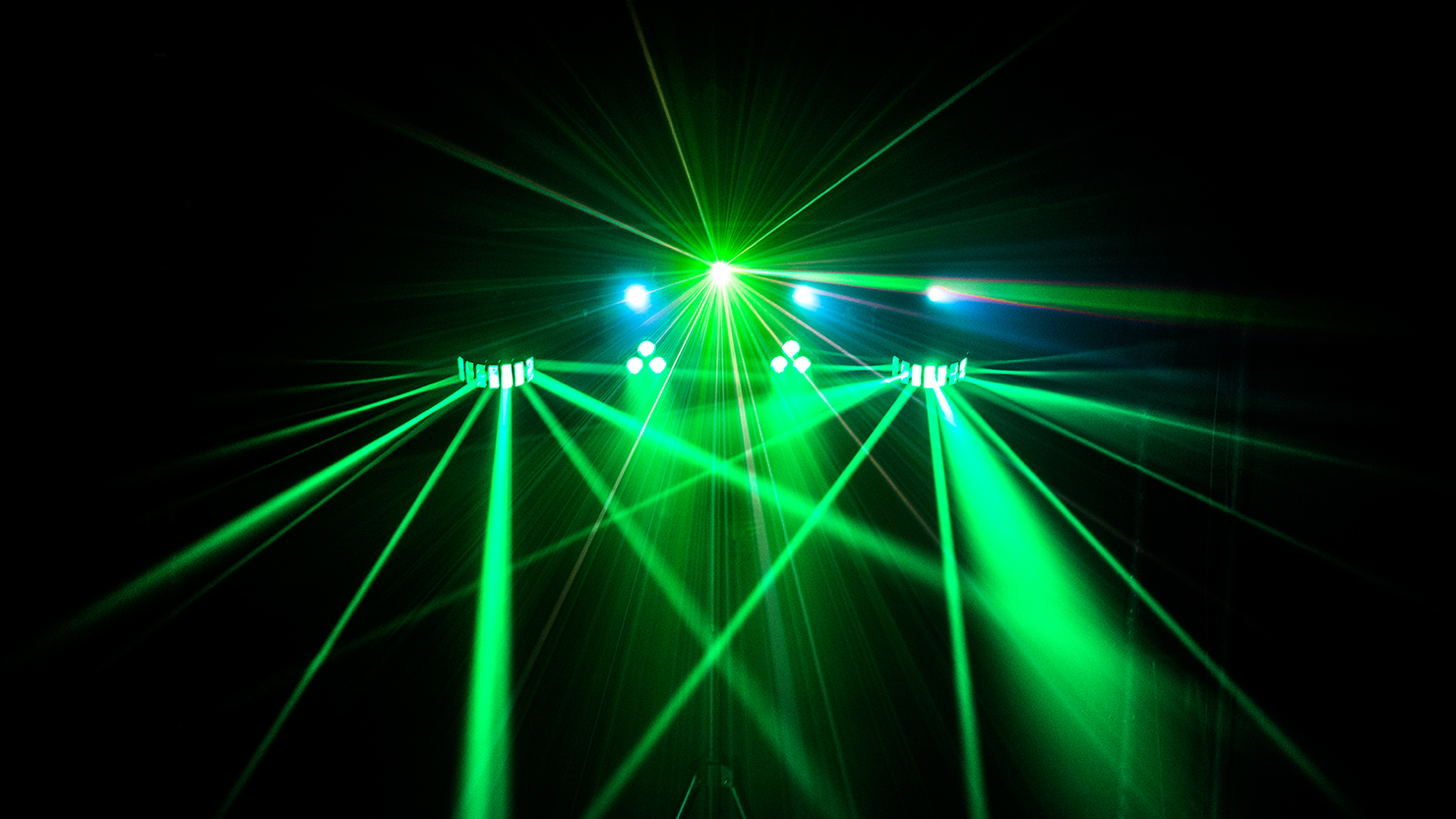Gigbar 2 Chauvet Dj Led Strobe Light Circuit With Chasing Flashing Effects Electronic Previousnext
